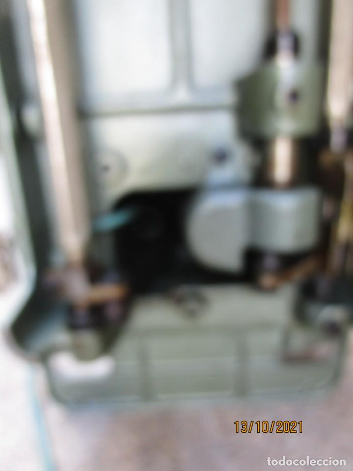 Antigüedades: VIGO - CABEZAL MAQUINA DE COSER REFREY TRANSFORMA REVISADA, EN ESTADO DE USO 12 KILOS 60S +INFO - Foto 11 - 275289503