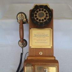 Teléfonos: 1928 TELEFONO MADERA Y LATON BRONCE - 47 X 18 X 18.CM. Lote 275310078