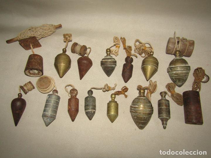 ANTIGUA COLECCIÓN DE 15 PLOMADAS DE ALBAÑIL SIGLOS XVIII - XIX - XX EN BRONCE Y HIERRO (Antigüedades - Técnicas - Herramientas Profesionales - Albañileria)