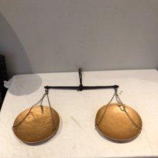 Antigüedades: ANTIGUA BALANZA META METÁLICA RESTAURADA . VER FOTOS. Lote 275575928