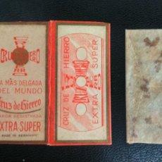 Antigüedades: HOJA DE AFEITAR - CUCHILLA DE AFEITAR - CRUZ DE HIERRO - NUEVA CON SU HOJA. Lote 275684728
