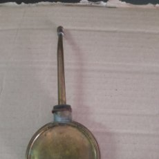 Antigüedades: ANTIGUA ACEITERA PARA ENGRASAR. Lote 275882138
