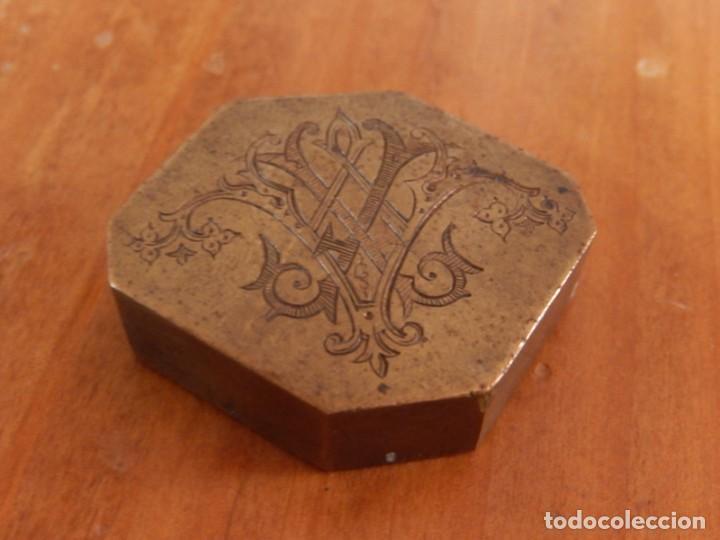 Antigüedades: Antiguas piezas metálicas de broce / latón. Desconozco uso. - Foto 4 - 275901253