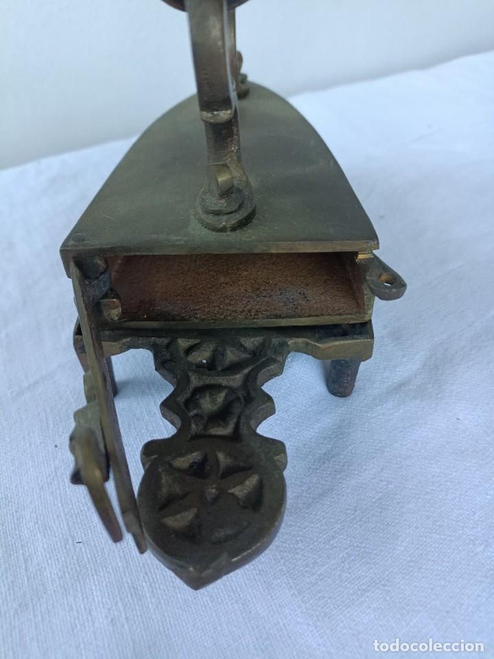 Antigüedades: Antigua plancha de carbón de sastrería con base - Foto 4 - 276070513