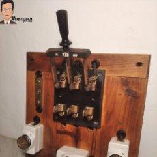 Antigüedades: ANTIGUO CONJUNTO INTERRUPTOR DE PALANCA (GUILLOTINA / CUCHILLA) 30 AMPERIOS MARCA TEM + 3 FUSIBLES. Lote 276088613