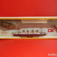 Antigüedades: MAQUETA DEL TITANIC,,ANTES Y DESPUES DEL NAUFRAGIO..GRAN MAQUETA..PURA ARTESANIA 75 X 22 X 6 CMS.. Lote 276094463
