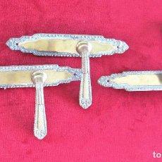 Antigüedades: 3 MANECILLAS EN BRONCE MACIZO COMPLETAS CON EMBELLECEDORES HECHO EN ESPAÑA NUMERADAS. DOS DE LA MAN. Lote 276113628