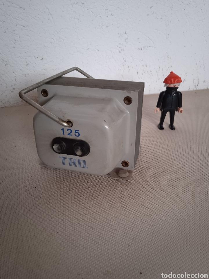 TRANSFORMADOR 125/220 (Antigüedades - Técnicas - Herramientas Profesionales - Electricidad)