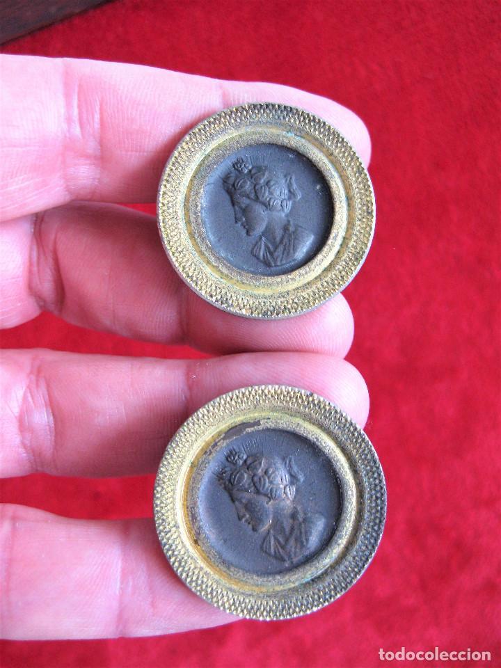 Antigüedades: 6 TIRADORES DE LATON CON FIGURA GRECOROMANA EN BRONCE PARA RESTAURAR MUEBLE - Foto 5 - 276401578