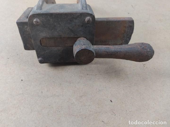 Antigüedades: manivela de porton muy antiguo - Foto 4 - 276477943