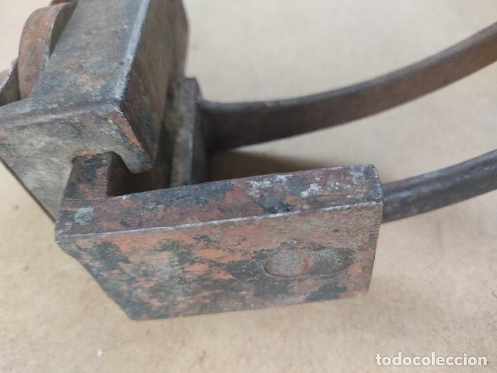 Antigüedades: manivela de porton muy antiguo - Foto 8 - 276477943