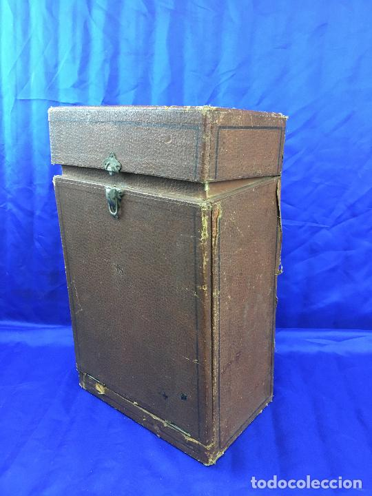 Antigüedades: proyector de cine Pathe baby Brevete con caja original - Foto 15 - 276628233