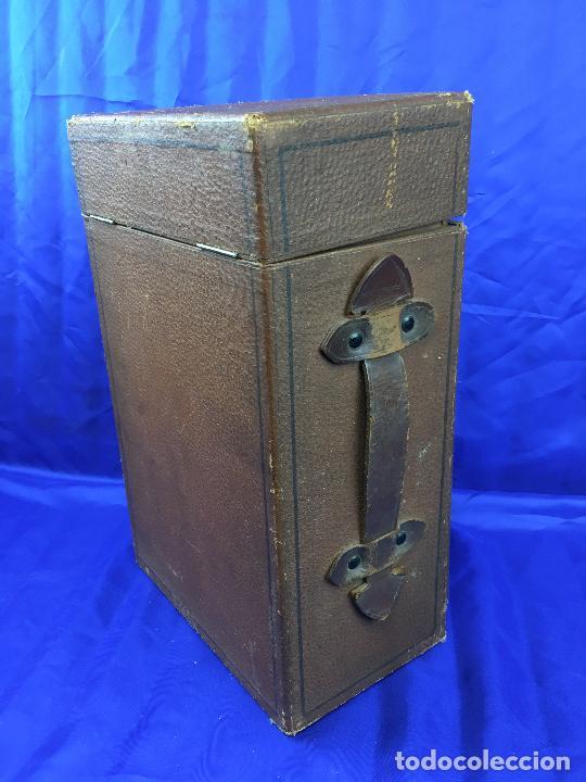 Antigüedades: proyector de cine Pathe baby Brevete con caja original - Foto 16 - 276628233