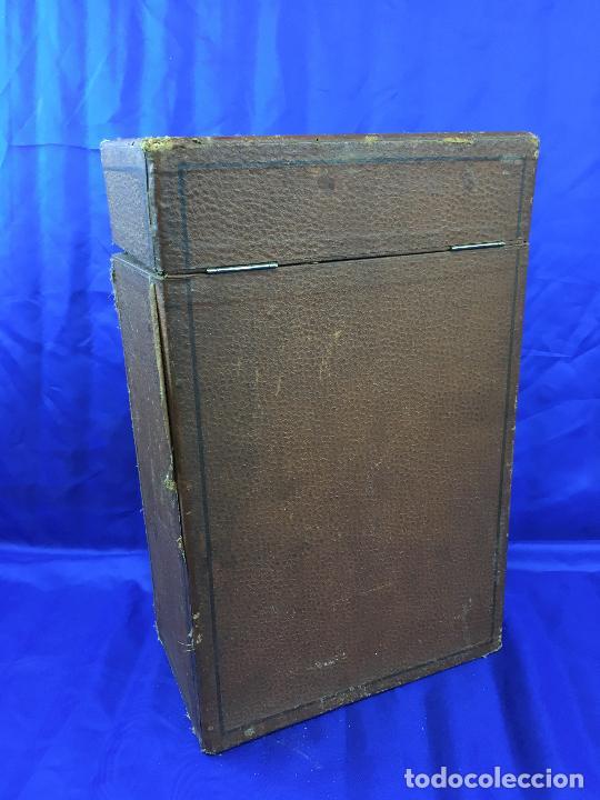 Antigüedades: proyector de cine Pathe baby Brevete con caja original - Foto 17 - 276628233