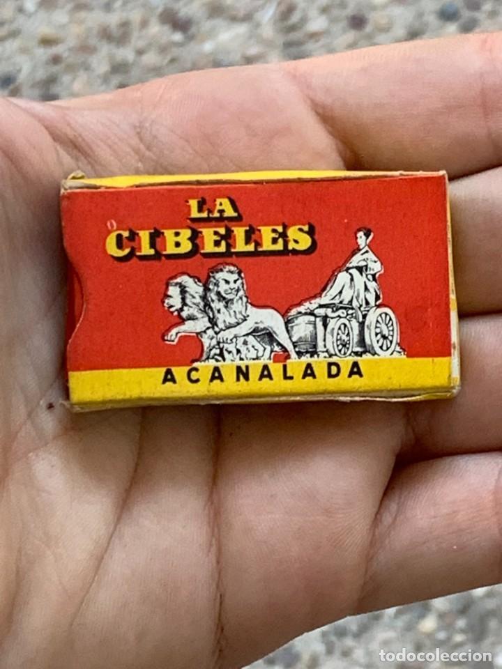 Antigüedades: PAQUETE 11 CUCHILLAS AFEITAR LA CIBELES ACANALADA 3X5CMS - Foto 3 - 276916968