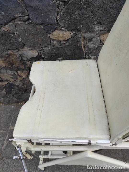 Antigüedades: Antigua Camilla de Medico Ginecólogo - Metal y Cristal - Plegable - Años 40 - Foto 16 - 276926633