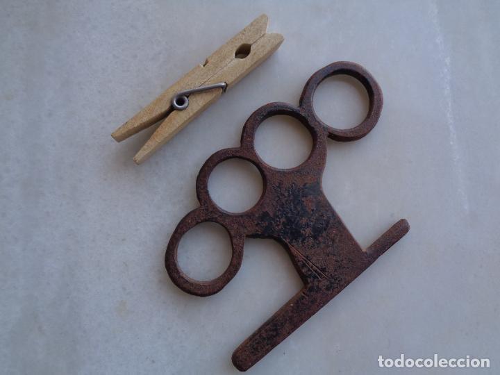 Antigüedades: HIERRO DESCONOCIDO EN FORJA. ESCULTURA, BASTONERO...? - Foto 4 - 276989628