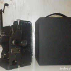Antigüedades: PROYECTOR EASTMAN KODAK - KODASCOPE MOLDEL C - 1924 - 115 VOLTIOS - C/ CAJA Y ACCESORIOS. Lote 277127988