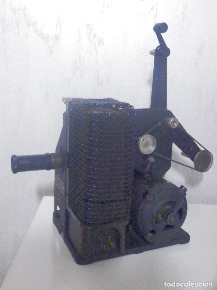 Antigüedades: Proyector Eastman Kodak - Kodascope Moldel C - 1924 - 115 Voltios - C/ Caja y accesorios - Foto 4 - 277127988