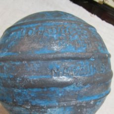 Antigüedades: BOYA FLOTADOR ALUMINIO PESCA ARRASTRE Y ALTURA 50'S- 17CM DIAMETRO 1.4KG LOGO 'HERCULES' LA CORUÑA. Lote 277199388