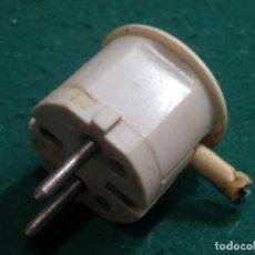 Antigüedades: UN ENCHUFE VINTAGE PROBABLEMENTE DE ALGÚN ELECTRODOMÉSTICO GRANDE, VARIOS MODELOS A ELEGIR. Lote 277251823