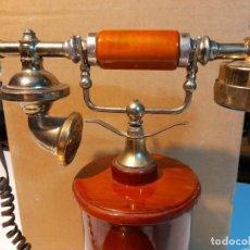 Antigüedades: TELEFONO VINTAGE DE MADERA Y METAL. Lote 277559748