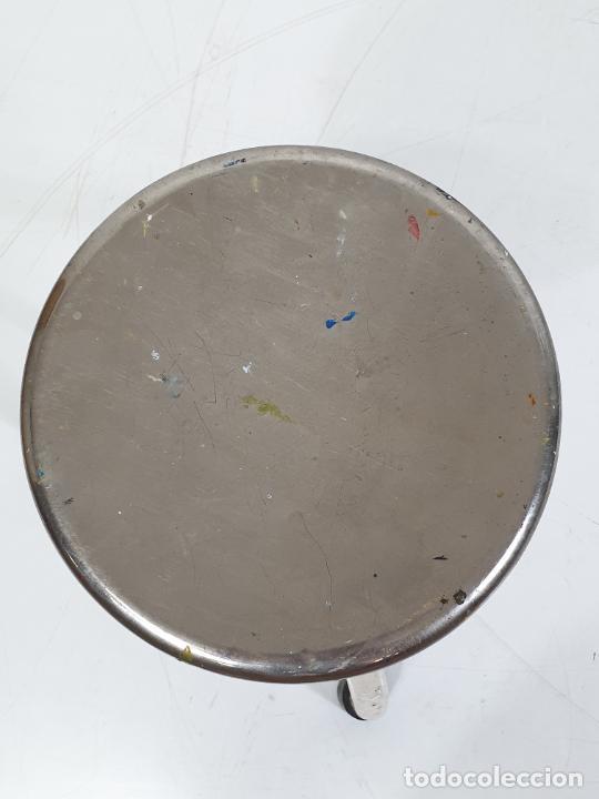 Antigüedades: Pareja de Taburetes Metálicos - Banquetas Regulables - de Consulta Medica - Medico, Farmacéutico - Foto 6 - 277680273