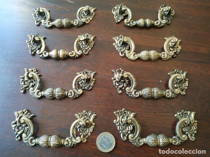 Antigüedades: Un asa o tirador de latón para cajón de cómoda en tres piezas con molduras barrocas, - Foto 2 - 277705458