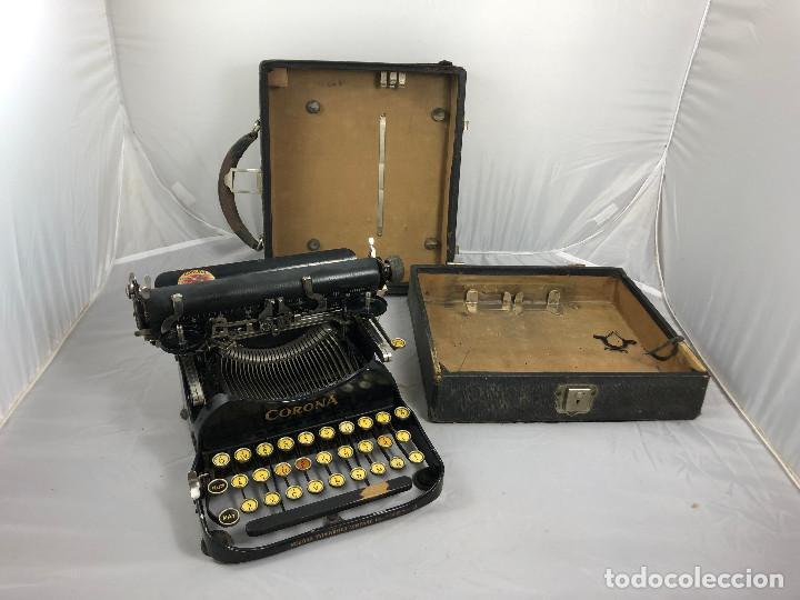 ANTIGUA MAQUINA DE ESCRIBIR CORONA TYPEWRITER COMPANY, 3, PORTATIL PLEGABLE. CON CAJA ORIGINAL. (Antigüedades - Técnicas - Máquinas de Escribir Antiguas - Otras)