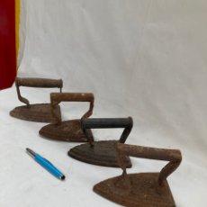 Antigüedades: GRAN LOTE DE PLANCHAS ANTIGUAS DE HIERRO!. Lote 277850343