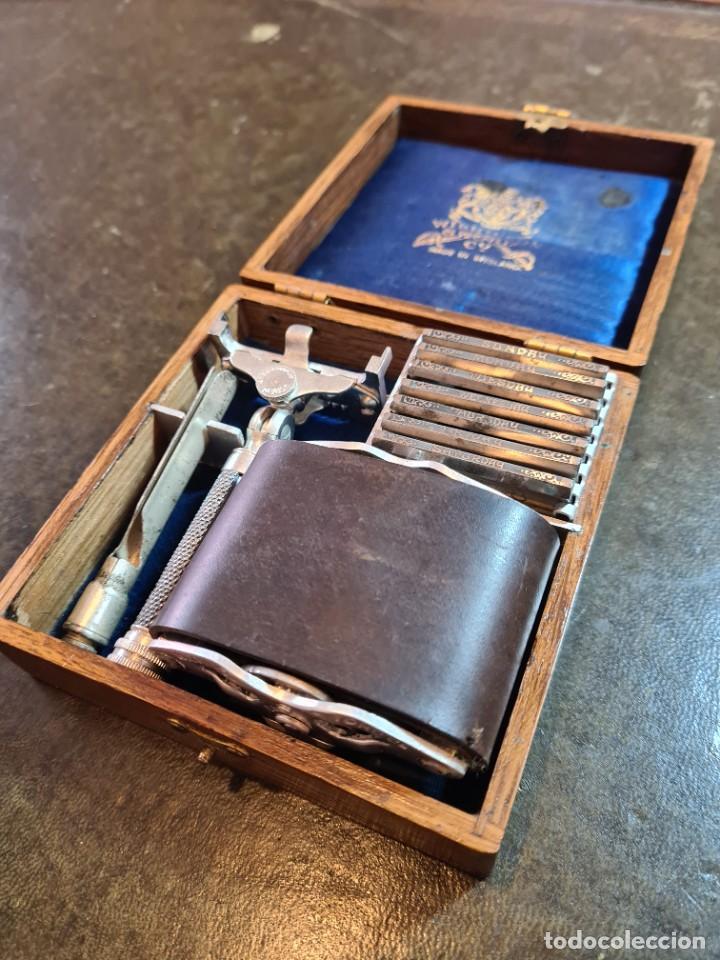 Antigüedades: Magnífica maquinilla de afeitar WILKINSON, con 7 cuchillas, una para dia de la semana, original. - Foto 2 - 278163603