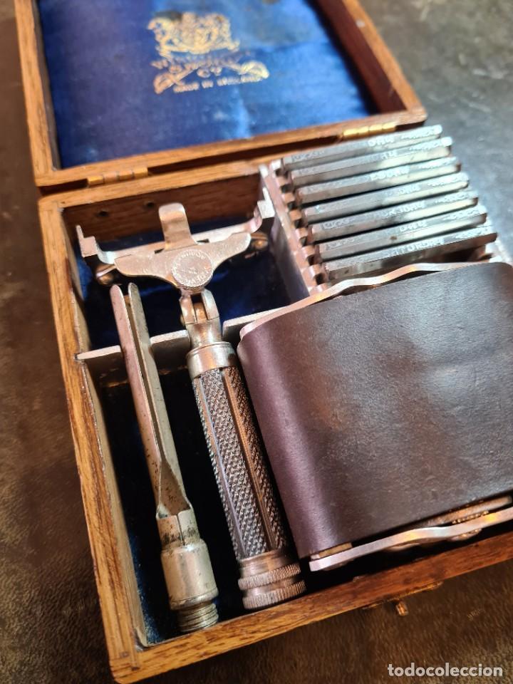 Antigüedades: Magnífica maquinilla de afeitar WILKINSON, con 7 cuchillas, una para dia de la semana, original. - Foto 4 - 278163603
