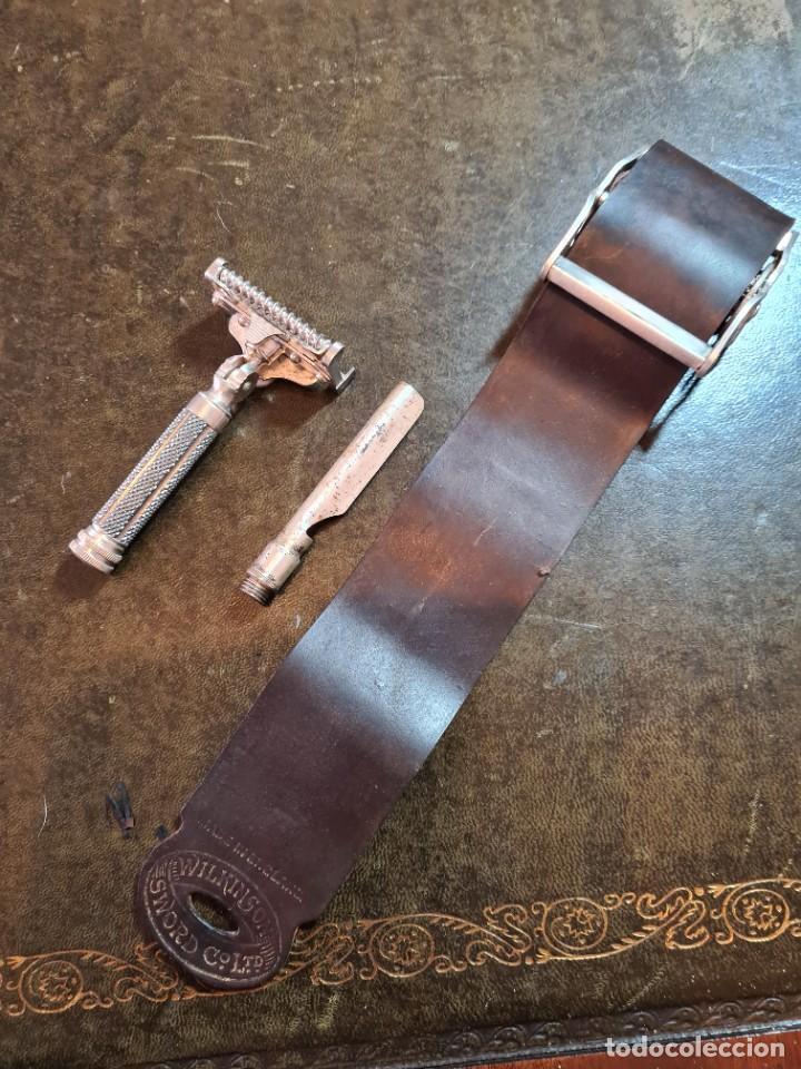 Antigüedades: Magnífica maquinilla de afeitar WILKINSON, con 7 cuchillas, una para dia de la semana, original. - Foto 6 - 278163603