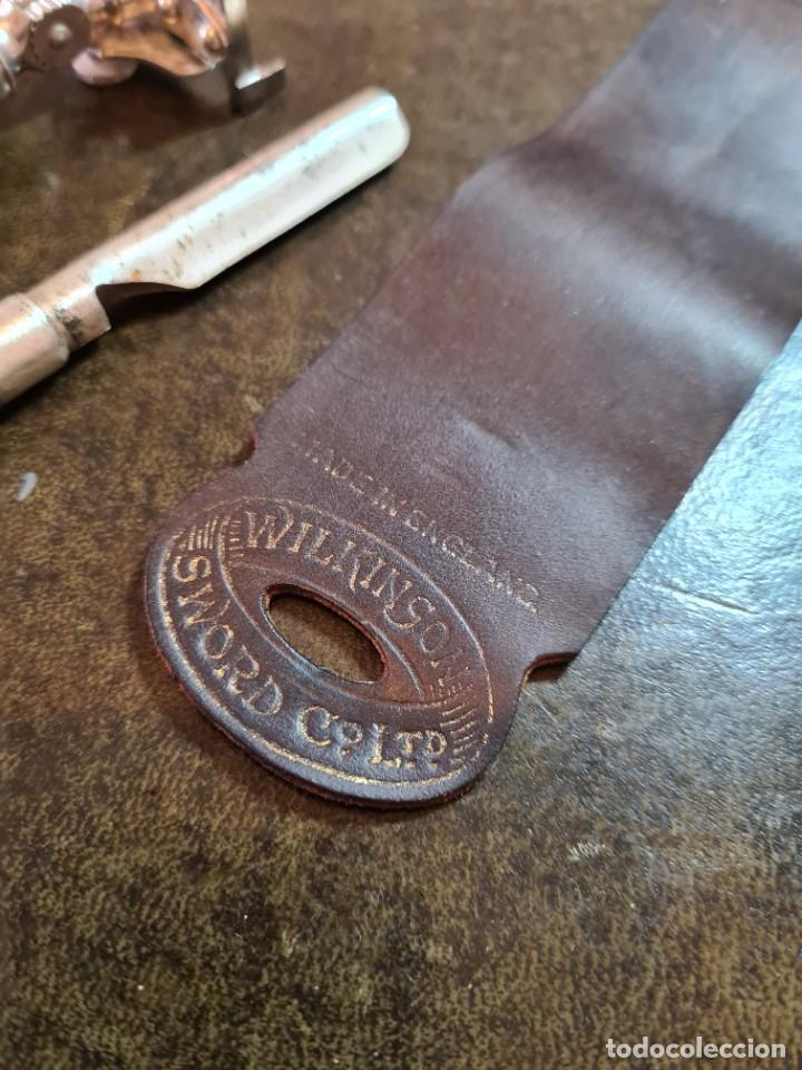 Antigüedades: Magnífica maquinilla de afeitar WILKINSON, con 7 cuchillas, una para dia de la semana, original. - Foto 7 - 278163603