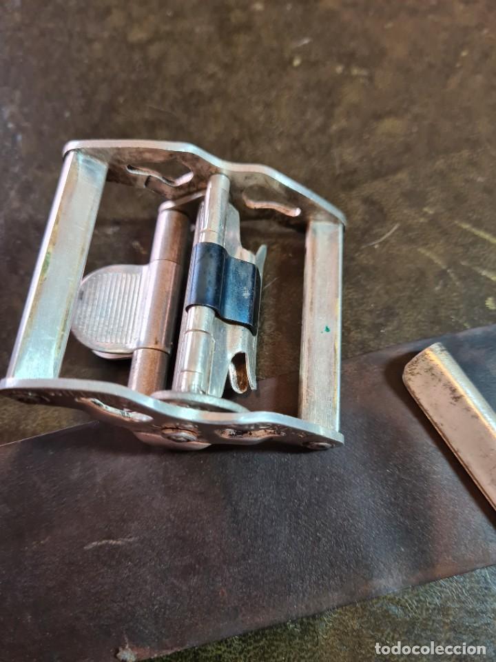 Antigüedades: Magnífica maquinilla de afeitar WILKINSON, con 7 cuchillas, una para dia de la semana, original. - Foto 12 - 278163603