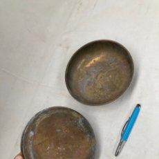 Antigüedades: PAREJA DE PLATOS ANTIGUOS DE BASCULA!LATON. Lote 278181198