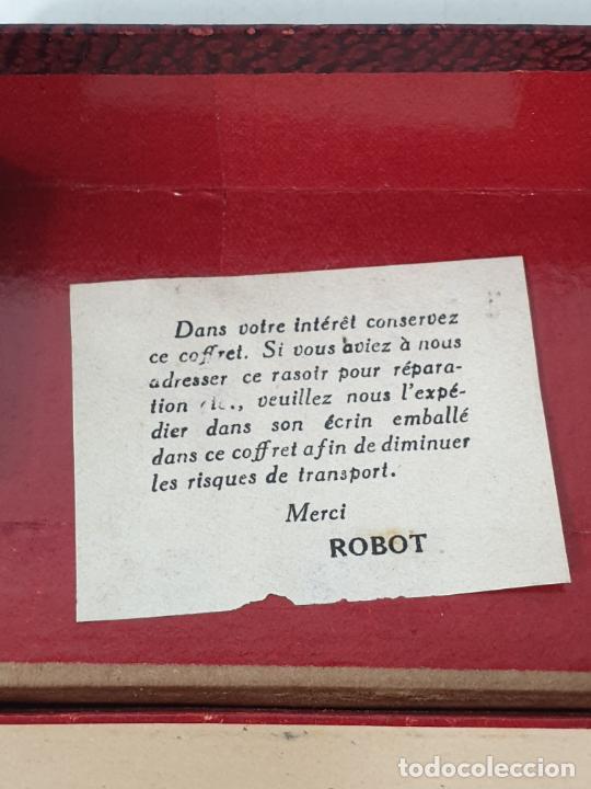 Antigüedades: Maquina de Afeitar - Marca Robot, Francia - con Caja Metálica y Estuche - Foto 4 - 278265833