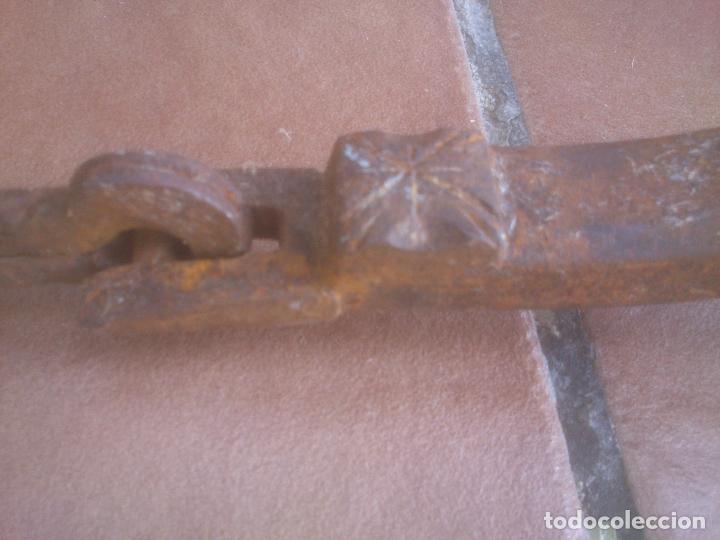 Antigüedades: HIERRO FORJA ALDABA IMPRESIONANTE LLAMADOR MUY ANTIGUO - Foto 6 - 278424468