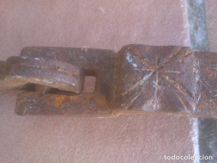 Antigüedades: HIERRO FORJA ALDABA IMPRESIONANTE LLAMADOR MUY ANTIGUO - Foto 7 - 278424468