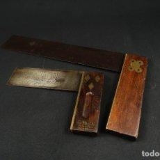 Antigüedades: LOTE DOS ANTIGUAS ESCUADRAS INGLESAS DE HIERRO MADERA Y BRONCE. Lote 278498993