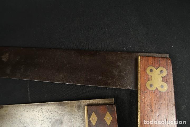 Antigüedades: Lote Dos Antiguas Escuadras Inglesas de Hierro Madera y Bronce - Foto 5 - 278498993