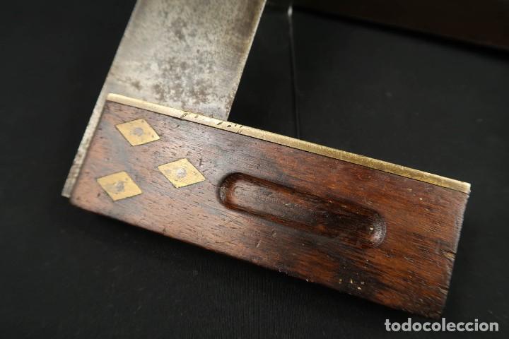 Antigüedades: Lote Dos Antiguas Escuadras Inglesas de Hierro Madera y Bronce - Foto 7 - 278498993
