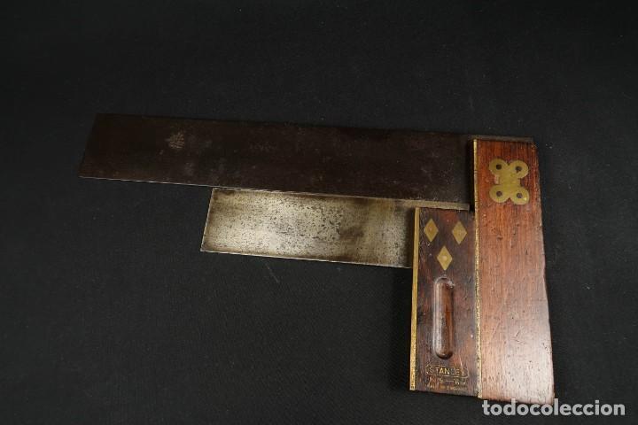 Antigüedades: Lote Dos Antiguas Escuadras Inglesas de Hierro Madera y Bronce - Foto 10 - 278498993