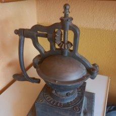 Antigüedades: MOLINILLO DE CAFE PEUGEOT A2 ,¡¡NO SE ENVIA!!. Lote 278558708