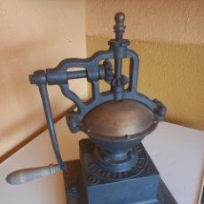 Antigüedades: MOLINILLO DE CAFE PEUGEOT A1. Lote 278560083