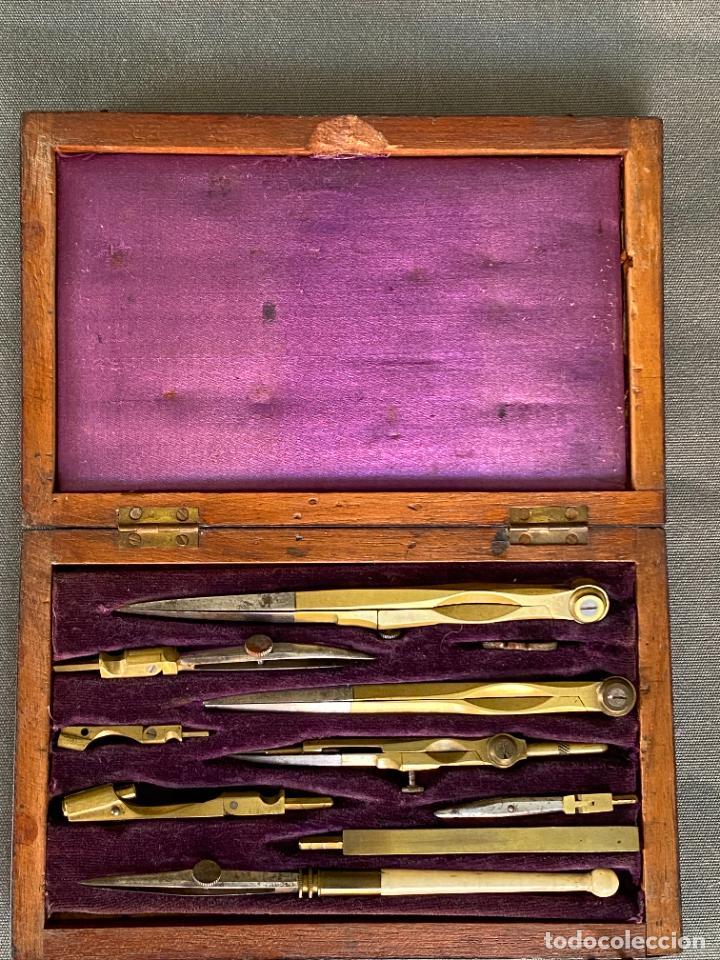 Antigüedades: JUEGO DE COMPÁS EN ESTUCHE . S. XIX .COMPLETO , GRABADO R. TYLER - Foto 5 - 278616698