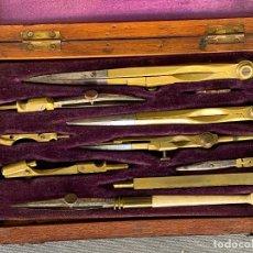Antigüedades: JUEGO DE COMPÁS EN ESTUCHE . S. XIX .COMPLETO , GRABADO R. TYLER. Lote 278616698