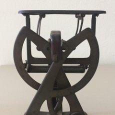 Antigüedades: ANTIGUA BALANZA POSTAL FUNCIONAL. Lote 278878698