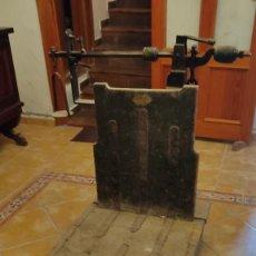 Antigüedades: BÁSCULA ANTIGUA CAJONES. Lote 279362723