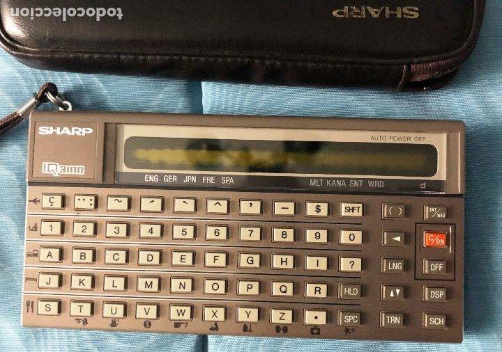 Antigüedades: Antigua calculadora SHARQ IQ3100, con su funda - Foto 2 - 279378793
